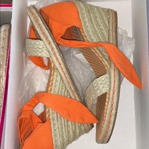 Orange tie wedges